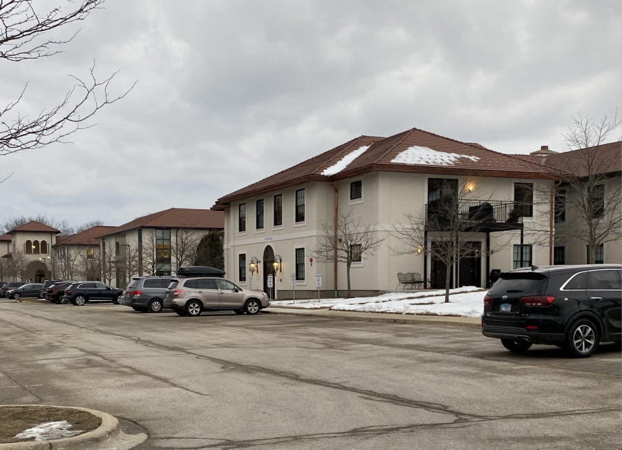 New+Atlass+apartments+by+the+parking+lot.